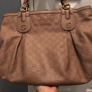 Authentic leather nude/pink Gucci bag